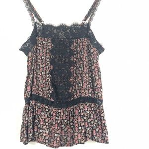 ❤️ 3/$30 AEO 🦅 black floral with lace trim cami